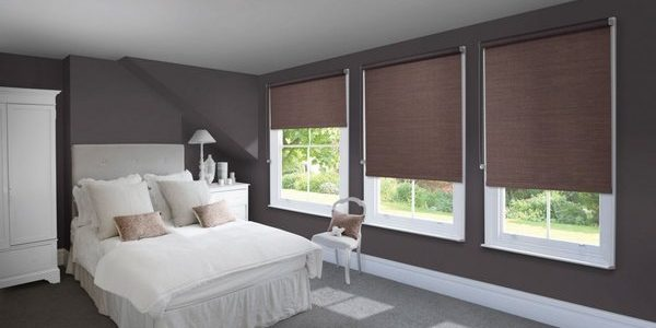 roller-blinds-in-liverpool-bedroom